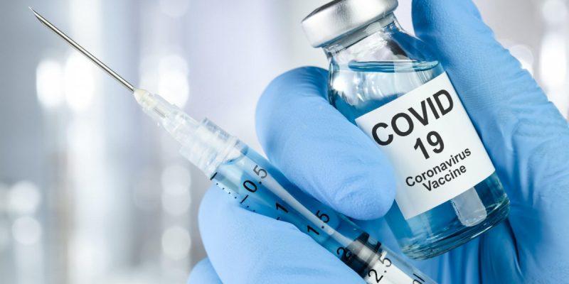 W niedzielę rozpoczną się szczepienia przeciw COVID-19!