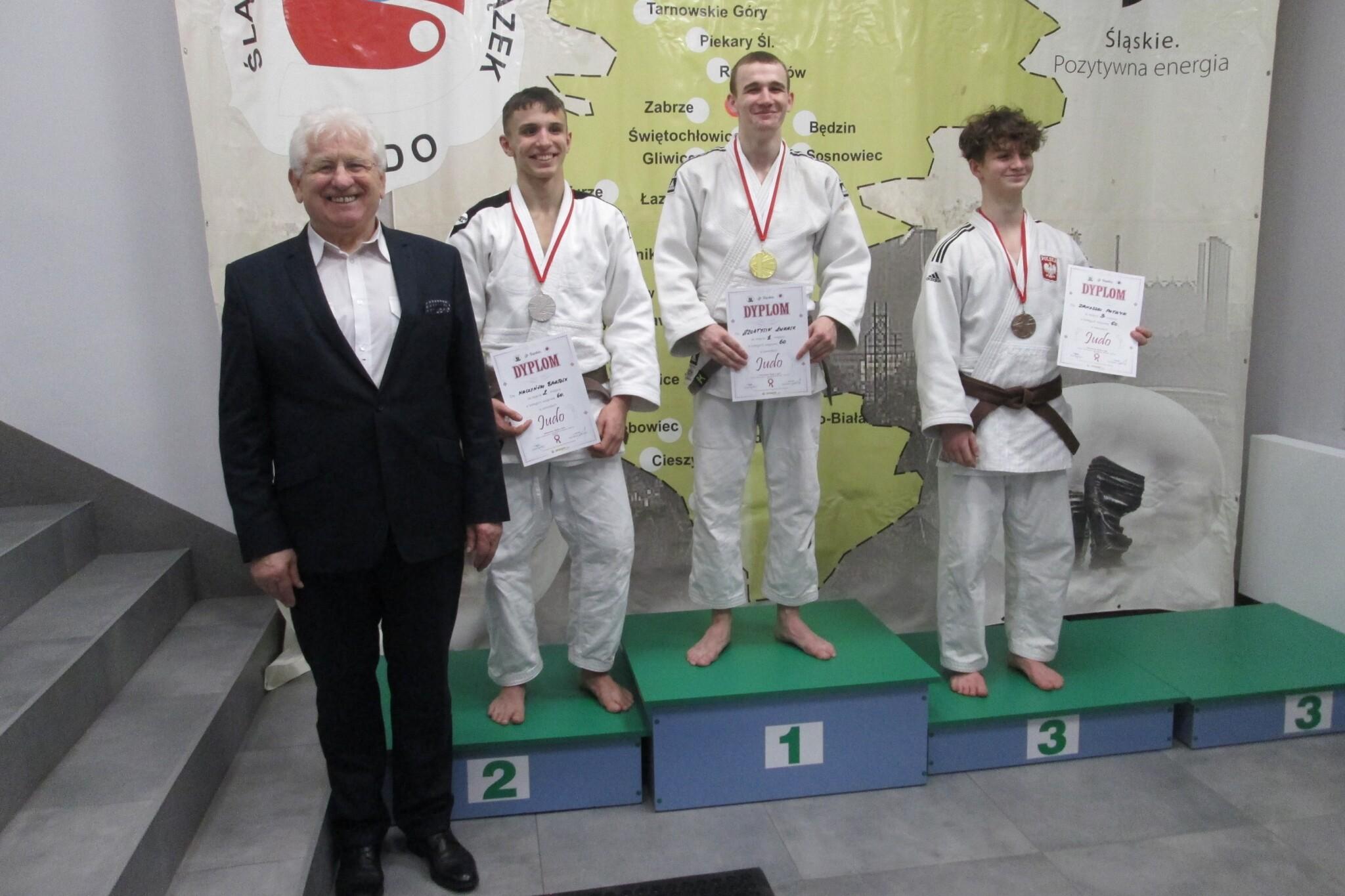 Łukasz Szołtysik na najyższym stopniu podium