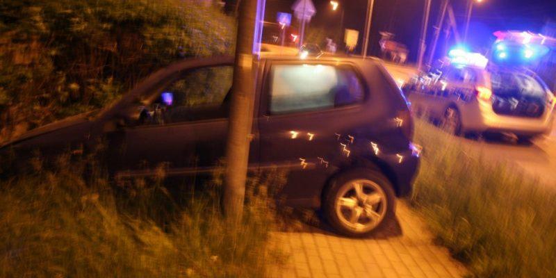 Pijany, skradzionym autem spowodował kolizję